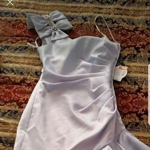 Dresses & Skirts - NWT one shoulder trumpet prom dress